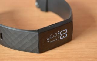 مچ بند هوشمند fitbit charge 4